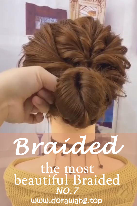 20 of the most beautiful Braided Bridal Updos NO.7 sweaty hair